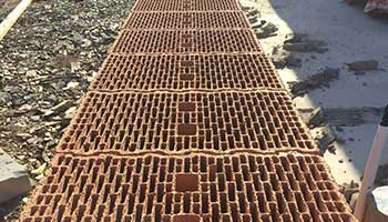 Porotherm bricks absorb 95% less water than ordinary bricks while curing